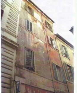 Palazzetto storico Roma, Piazza dell'Orologio